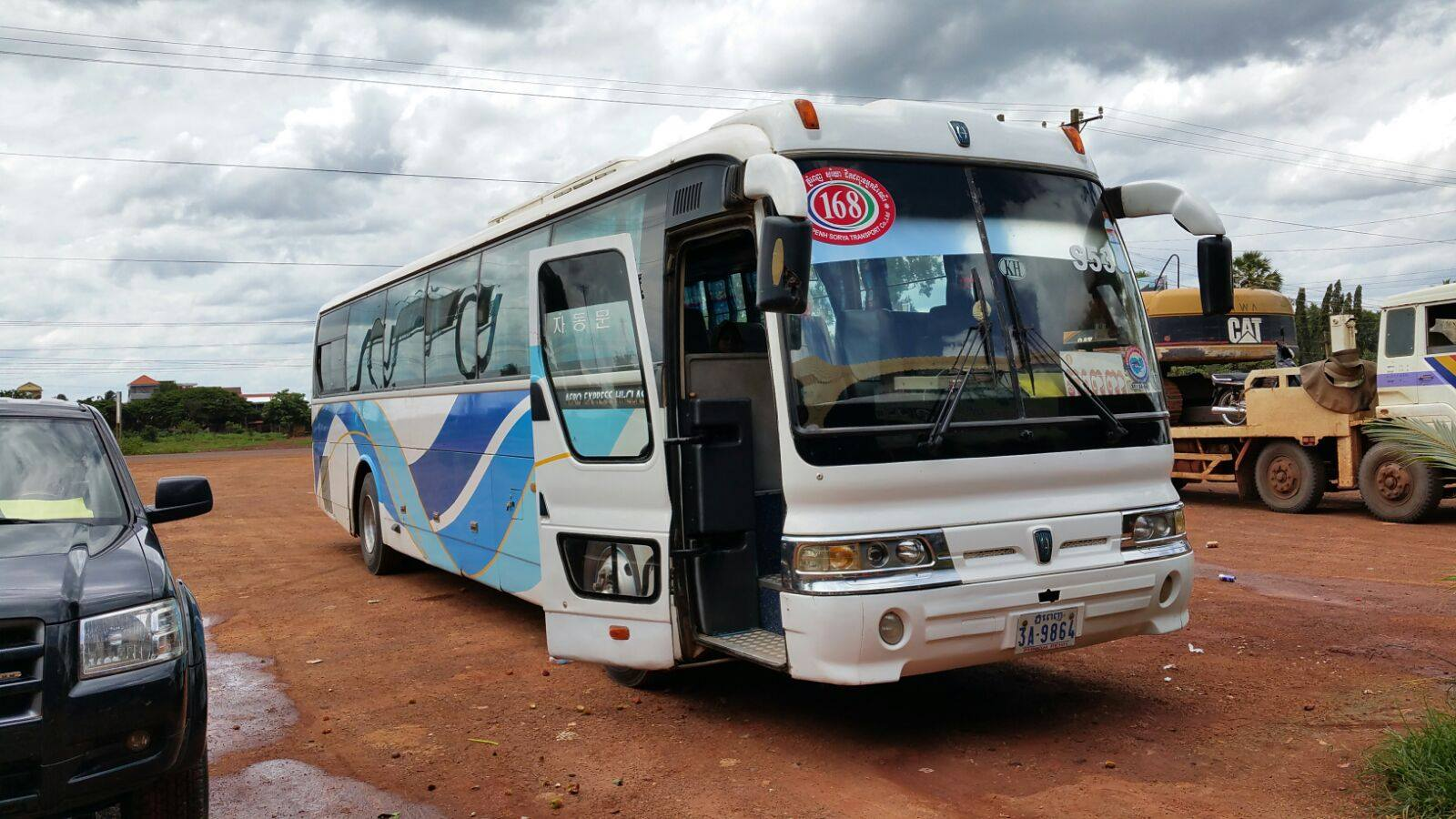 Bus-from-Phnom-Penh-to-Pakse